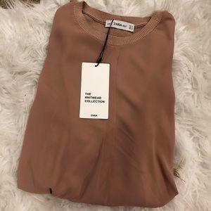 NWT Woman Zara Top Size Medium